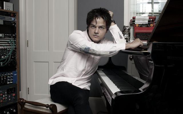 Популярний британський вокаліст, піаніст і композитор Джеймі Каллум стане одним з хедлайнерів Leopolis Jazz Fest