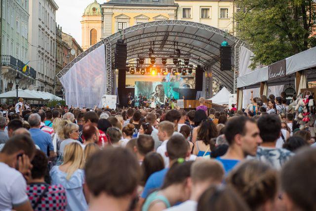 Стаття Karabas Live про міські сцени Leopolis Jazz Fest