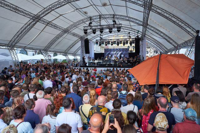 Stage on Rynok Square